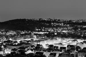Nacht Aufnahme in einem Panorama von Esslingen
