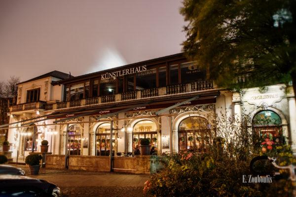 Nachtaufnahme am Künstlerhaus in München