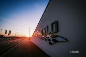 Aufnahme bei tiefstehender Sonne an der Motorworld in Böblingen