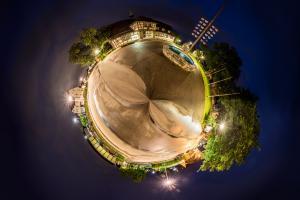 Der Planet Gärtringen – in diesem Fall am Rathaus. Ein 360 Grad Rundumblick in der Form einer Sphäre