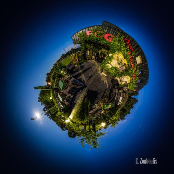 Der Planet Gärtringen – in diesem Fall am Weingarten vor dem Fußballplatz des FC Gärtringen in Gärtringen. Ein 360 Grad Rundumblick in der Form einer Sphäre
