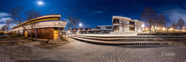 Rundumaufnahme bei Vollmond an der Theodor Heuss Realschule in Gärtringen in einem 360 Grad Panorama
