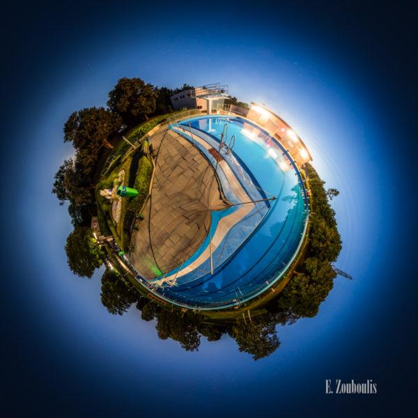 Der Planet Gärtringen – in diesem Fall am Freibad in Gärtringen. Ein 360 Grad Rundumblick in der Form einer Sphäre