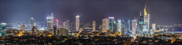 Frankfurt Skyline mit Blick von Sachsenhausen in Richtung Banken Distrikt