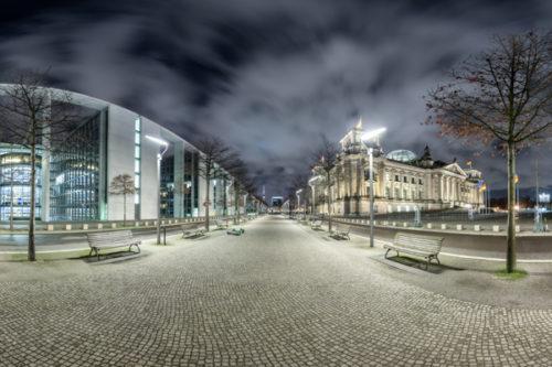 Berlin Amplitude Vol II - 360 Grad Fotografie zwischen dem Reichstag und dem Paul Löbe Haus in Berlin bei Nacht