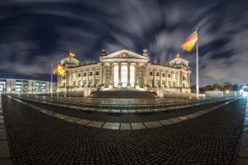 Berlin Reichstag Panorama - 360 Grad Fotografie vor dem Reichstag in Berlin bei Nacht