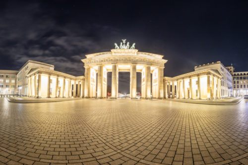 Berlin Brandenburger Tor Panorama Vol II - 360 Grad Fotografie vor dem Brandenburger Tor am Pariser Platz in Berlin bei Nacht