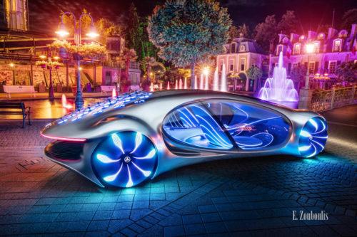 Wandbild eines Mercedes Vision AVTR nachts im Europa-Park. Fotografie seitlich leicht von hinten mit Blick auf den Innenraum. Im Hintergrund ist der Europa Park zu sehen