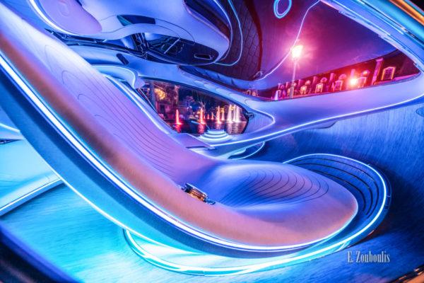 Der Mercedes Vision AVTR nachts im Europa-Park. Fotografie vom Interieur des Avatar