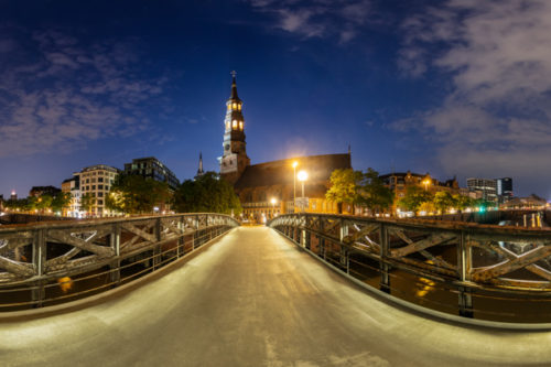 Hamburg Panorama Jungfernbrücke - 360 Grad Panorama an der Jungfernbrücke in Hamburg bei Nacht mit Blick auf die Katharinenkirche und die Speicherstadt